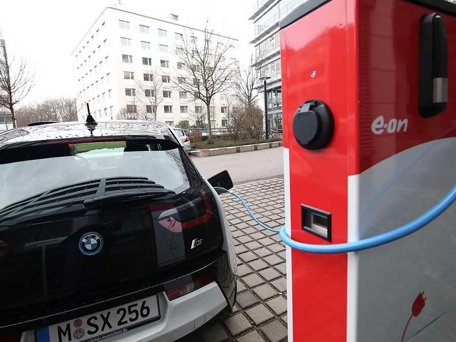 KMU-Förderung für E-Auto-Ladestationen bis Jahresende beantragen