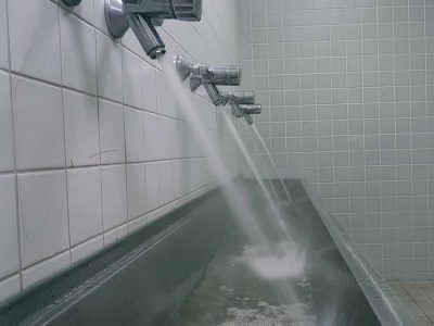 Was ist bei Betriebsunterbrechung von Trinkwasseranlagen zu beachten?