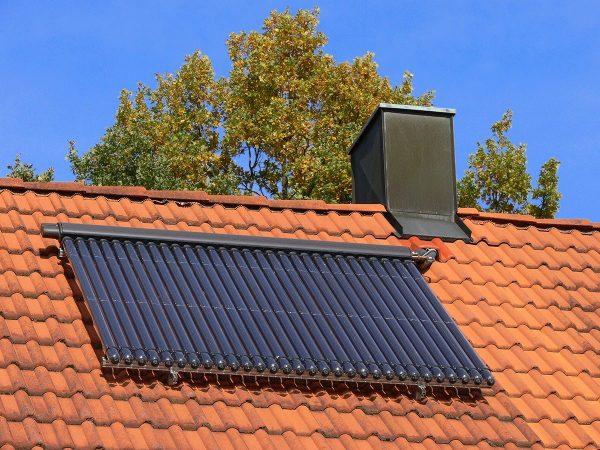 # 20  Vier Irrtümer zu solarthermischen Anlagen +++ Kennzeichnung von Rohrleitungen