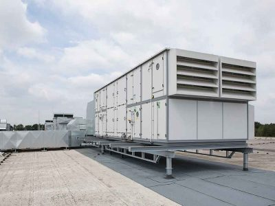 Wasser senkt Gebäude-Kühlbedarf